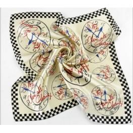 Foulard fond blanc motifs horloges
