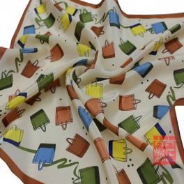 Foulard petit carré 100% soie motif  55x55 cm